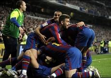 الفريق الكتلوني يضرب ريال مدريد في معقله بهدفين نظيفين